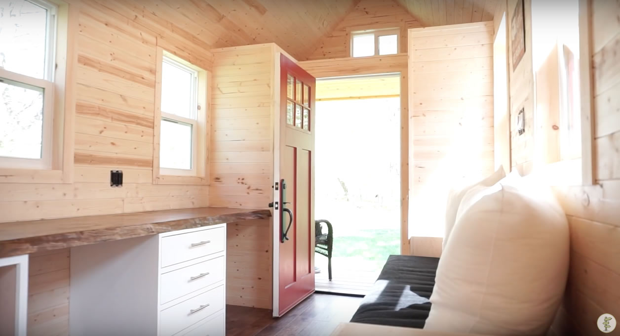Red Door Tiny Homes - Craftsman 21 - Interior 3