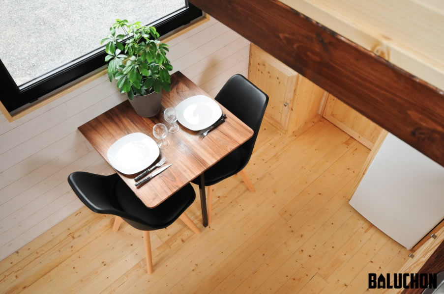 Escapade Tiny House by Baluchon - dining