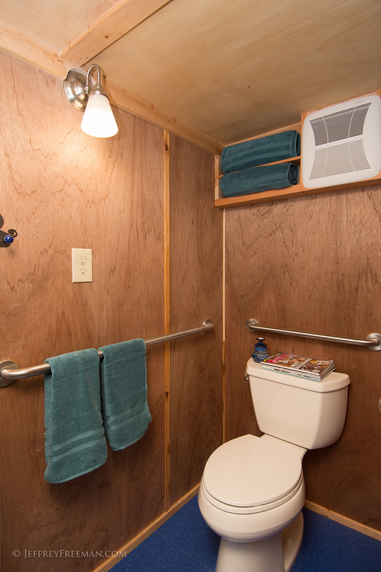 Bathroom - Pacifica by Zyl Vardos at the Tiny House Hotel